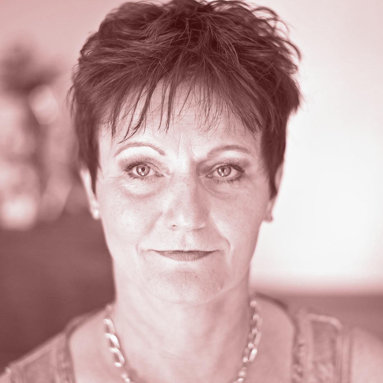 Portrait von Sylvia Lüdicke